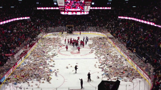 calgary hitmen teddy bear toss 2012