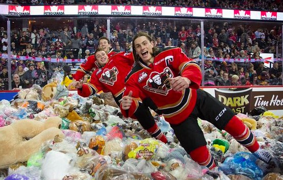 Calgary Hitmen 2014 Teddy Bear Toss Hockey Game [VIDEO]