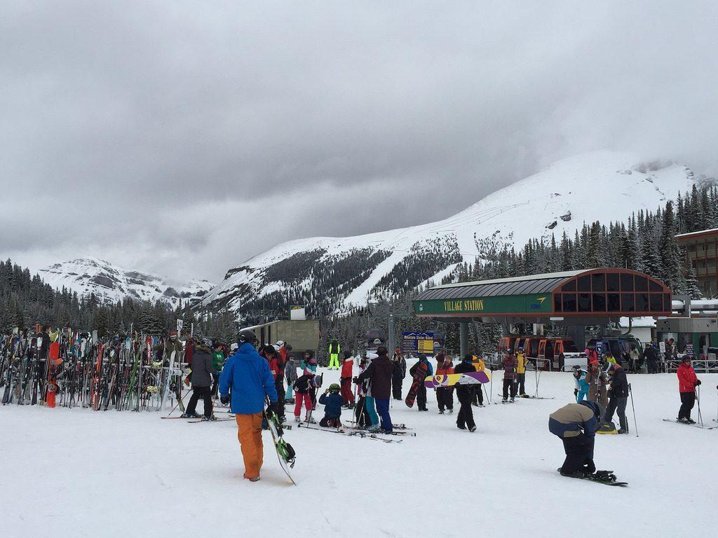 spring skiing sunshine